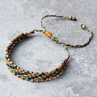 マクラメ編みブレスレット - ネイビー&グリーン&オレンジ