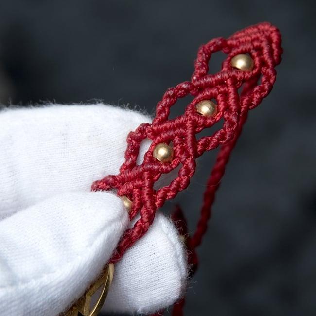 シュリ・ヤントラ マクラメ編みブレスレット 5 - 丁寧に編み込まれています。