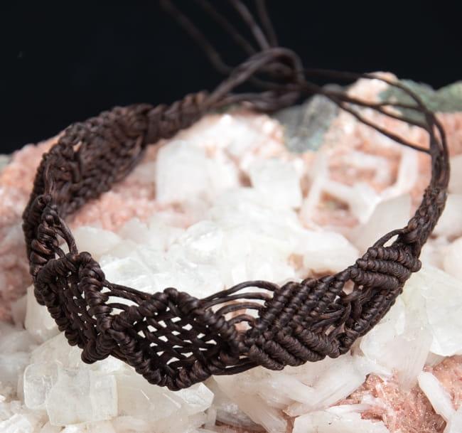 シンプル マクラメ編みブレスレットの写真