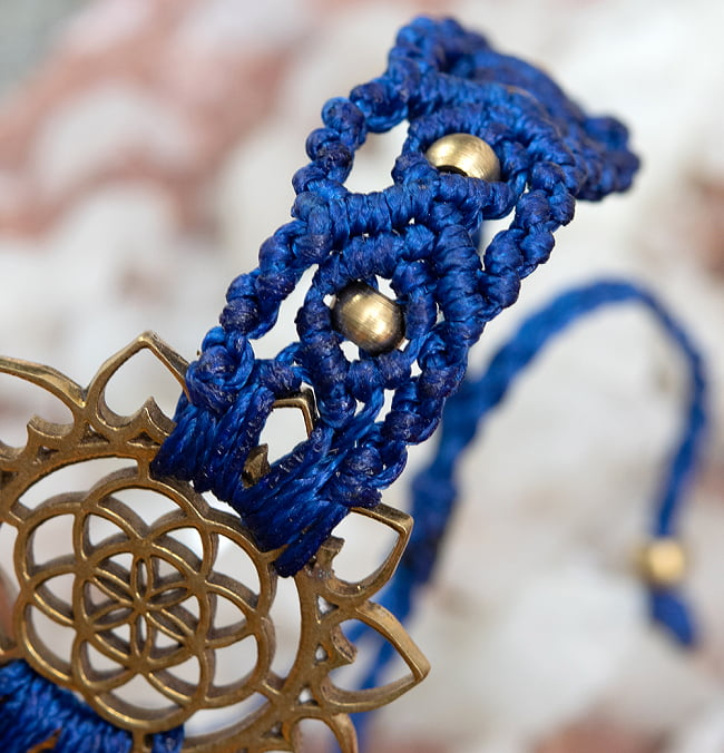 Flower of  Life マクラメ編みブレスレット 3 - 斜めから撮影しました