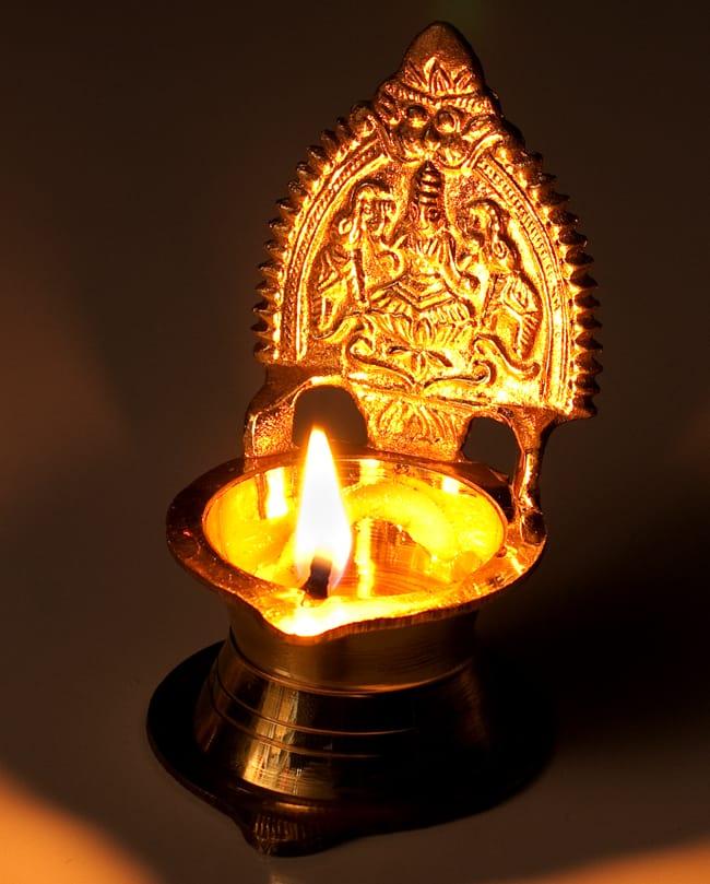 ラクシュミのランプ&香立て 7 - 火を灯すと綺麗に浮かび上がります