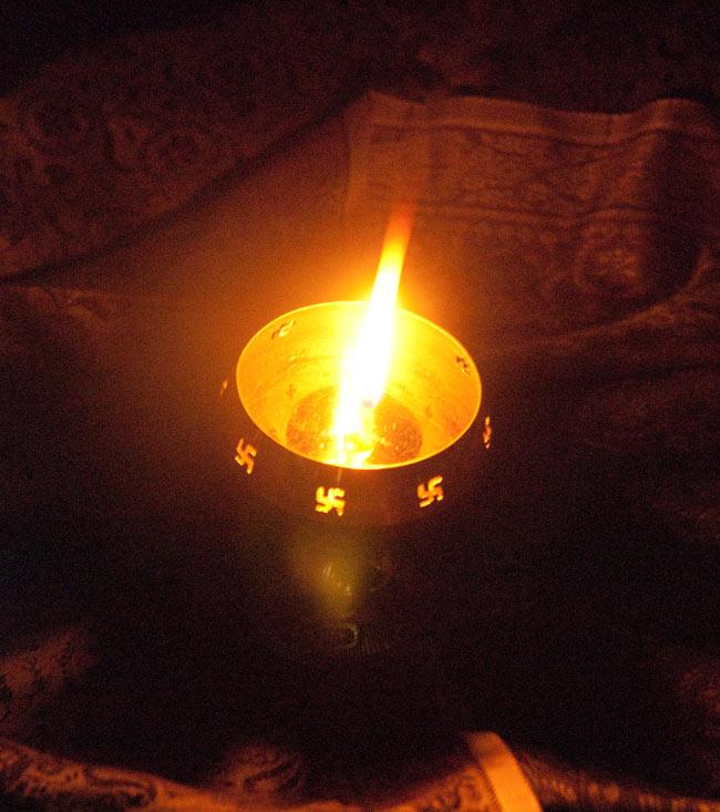 オーンと卍のオイルランプ 【16cm】 6 - オイルランプとして使った所。