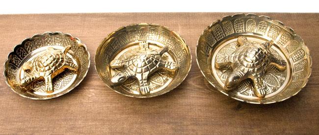 インド風水のプレート(kachwa plate) - 約10cm 7 - 7.5cm・8cm・10cmのサイズが並ぶとこのようになります。