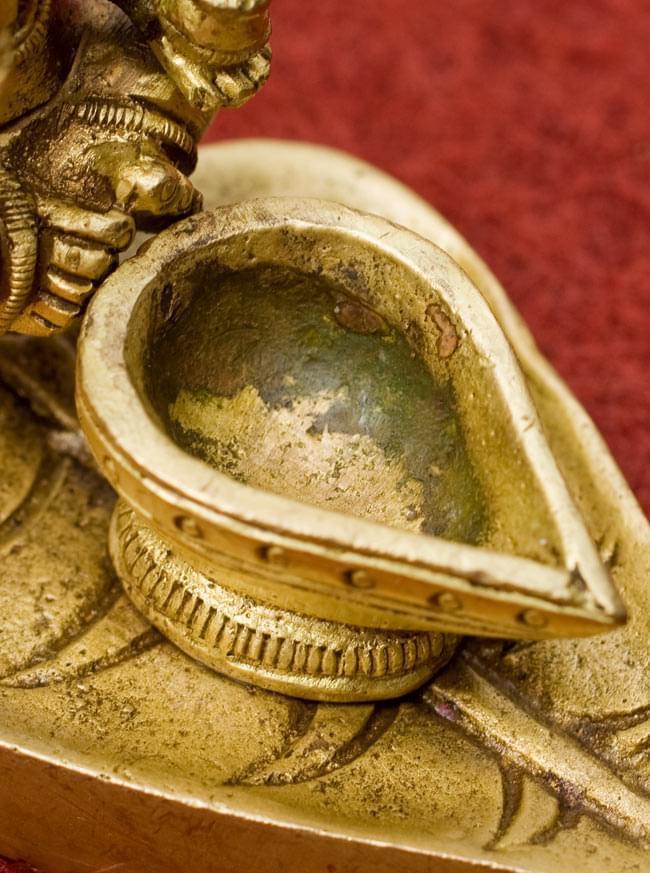 ブラスのオイルランプ&お香立て【ラクシュミー】の写真4 - ここに油を入れて使用します。コーン香も乗っけられますよ。
