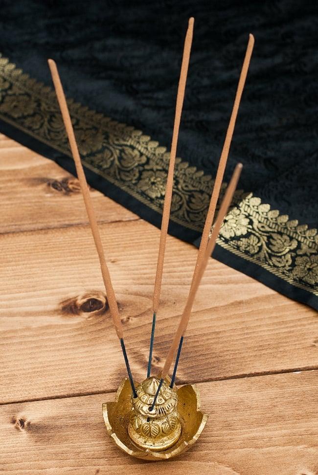 カラシュモチーフのブラスお香立て 6 - お香を同時に4本セットできます。