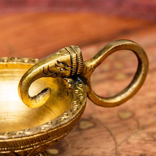 象モチーフのブラスオイルランプ 2 - 象がモチーフになっています。