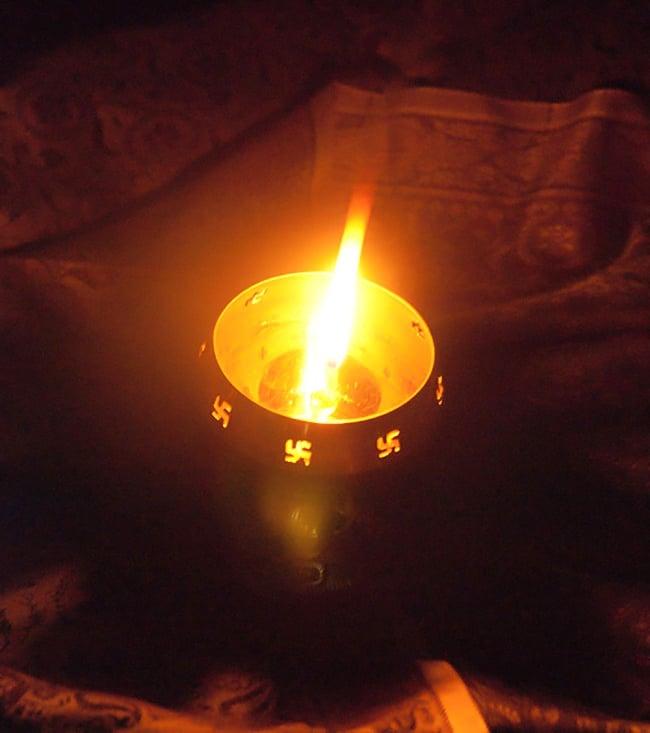 オーンと卍のランプシェード 【13cm】 5 - オイルランプとしての使用イメージです。