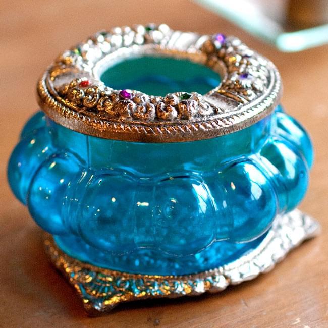 ホワイトメタル装飾 カラーガラス灰皿(水)の写真2 - 小物入れとしてもお使いいただけます。