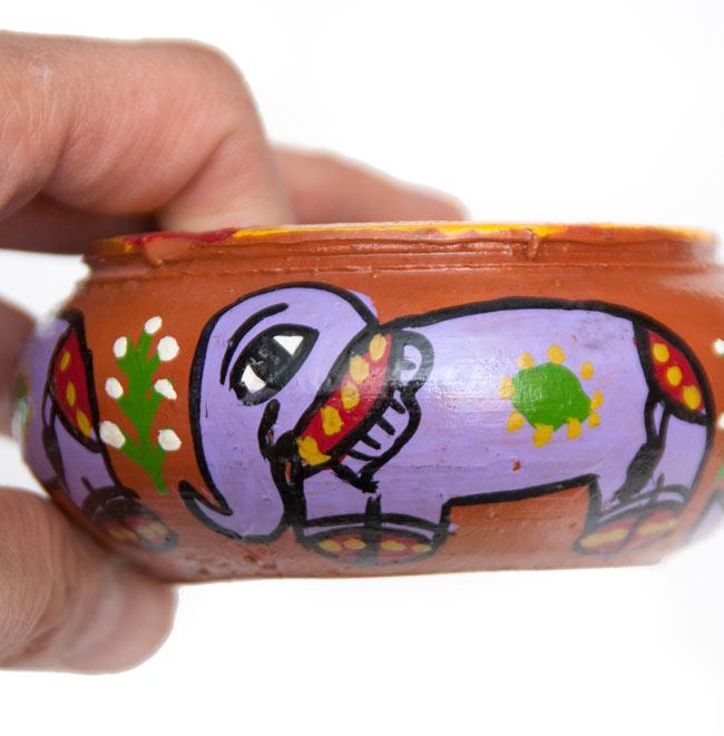 ミティラー村の陶器の灰皿 - 紫 5 - キュートなゾウが描かれています