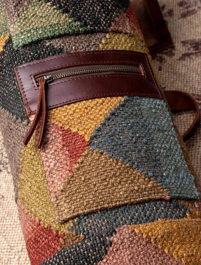 〔一点もの〕伝統を紡いだ インドキリムのヨガマットバッグ 5 - 2つ付いております