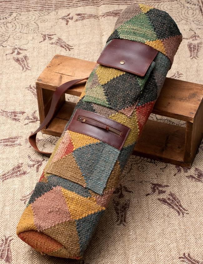 〔一点もの〕伝統を紡いだ インドキリムのヨガマットバッグの写真