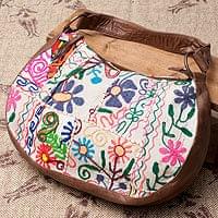 【一点物】伝統を紡いだ カッチ刺繍のムーンショルダーバッグ