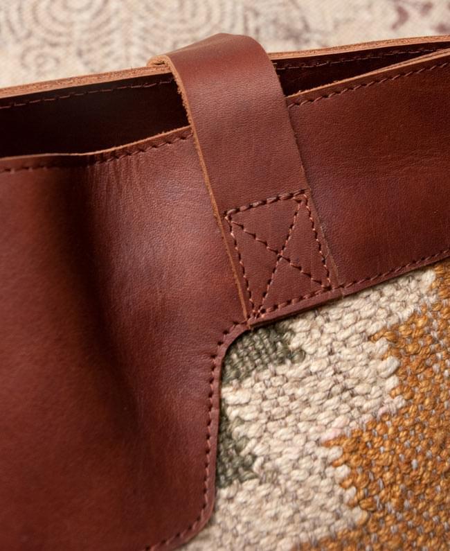 [インド品質]〔一点物〕伝統を紡いだ インドキリムのトラベルバッグ 7 - 重さで壊れないよう、しっかり作られています。