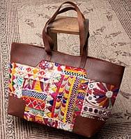 〔一点物〕伝統を紡いだ カッチ刺繍のトラベルバッグ