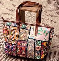 【一点物】伝統を紡いだ カッチ刺繍のトートバッグ