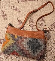 【一点物】伝統を紡いだ インドキリムのショルダーポシェット