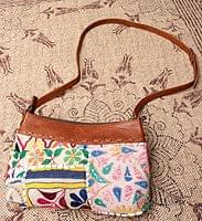 【一点物】伝統を紡いだ カッチ刺繍のショルダーポシェット