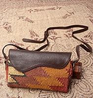 【一点物】伝統を紡いだ インドキリムのポーチウォレット
