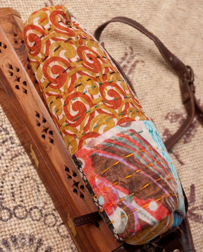 〔一点物〕伝統を紡いだ ラリーキルトのポーチウォレット 3 - 底面の写真です。しっかり作られています。