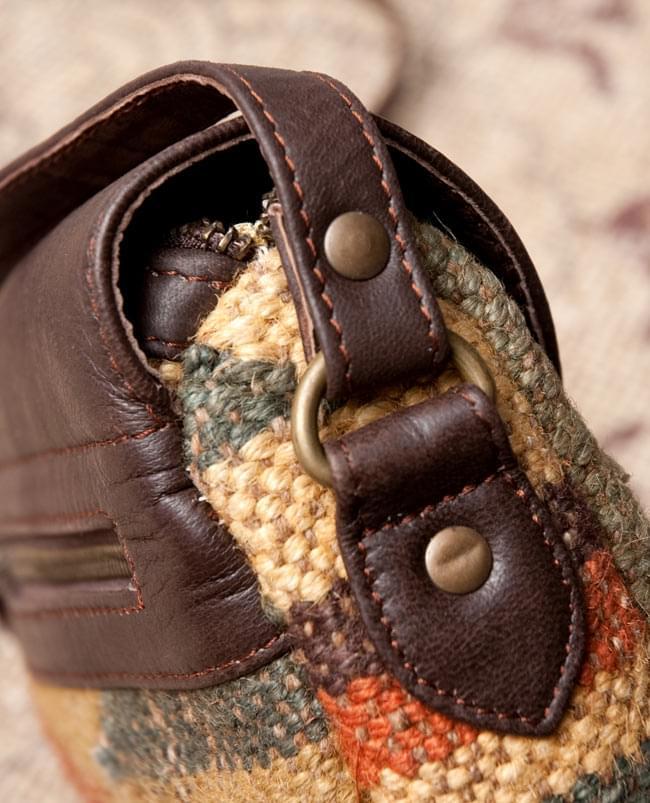 〔一点物〕伝統を紡いだ ラリーキルトのポーチウォレット 9 - 付け根の部分も丈夫です。