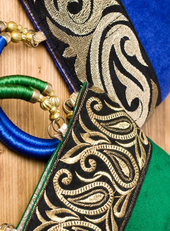 インドのゴージャスハンドバッグ - ブラック&ゴールド 8 - 柄の部分は何通りかありますので、お届けはアソートとなりお選び頂けません。予めご了承くださいませ。