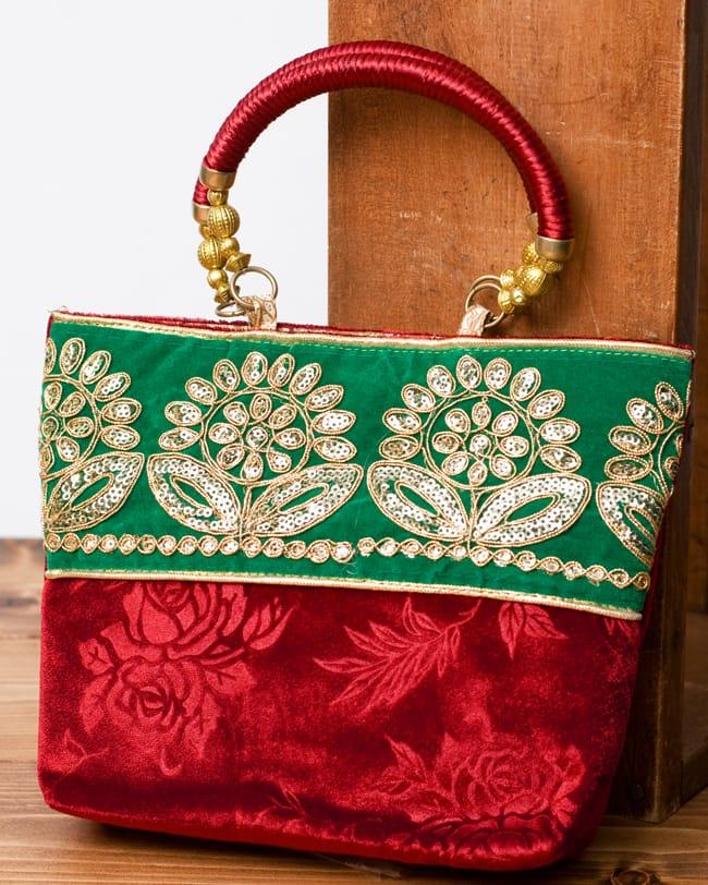 インドのゴージャスハンドバッグ - 緑地フラワー の写真