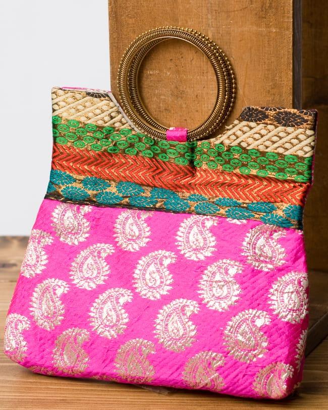 インドのゴージャスハンドバッグ - ペイズリーの写真