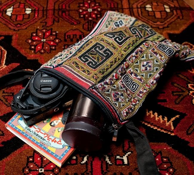 【一点物】モン族刺繍のスクエアショルダーバッグ 13 - とっても素敵なモン族バッグです