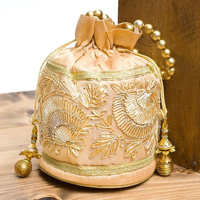 インドのきらきらミニバッグ  - ゴールドの写真