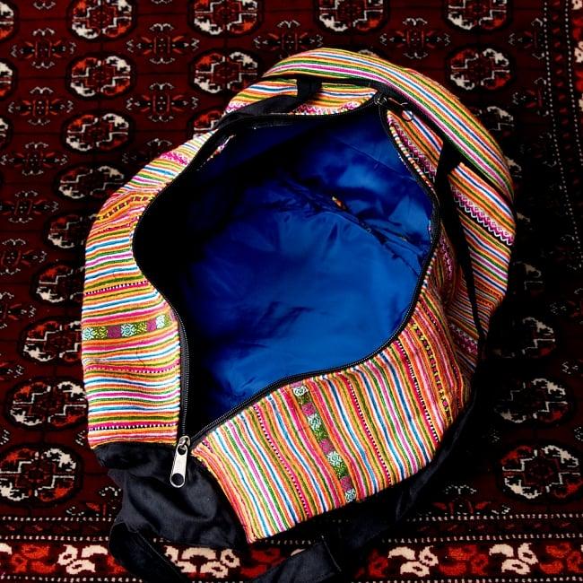 モン族刺繍 まんまる折りたたみ式2Wayトラベルバッグの写真13 - 中を広げてみたところです