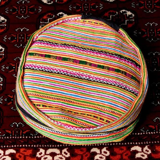 モン族刺繍 まんまる折りたたみ式2Wayトラベルバッグの写真4 - 持ち運びに便利です