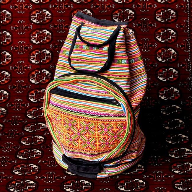 モン族刺繍 まんまる折りたたみ式2Wayトラベルバッグの写真7 - バッグになりました
