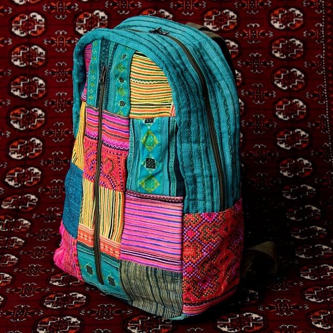 モン族刺繍のセンターファスナーパッチワークバッグパック 3 - 横からの写真です