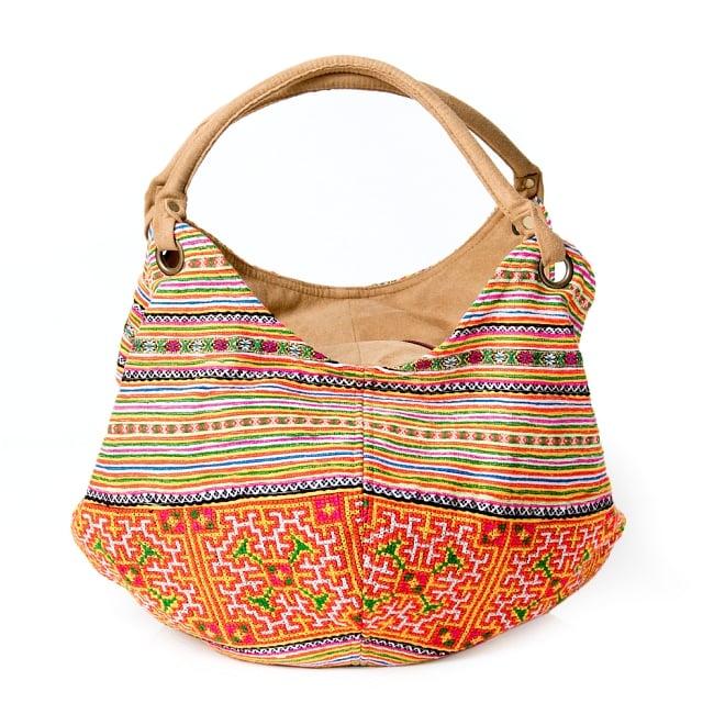 モン族刺繍とスウェード生地のトートバッグ 2 - 引き込まれるような美しい刺繍
