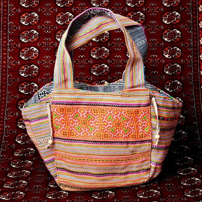 モン族刺繍の扇形トートバッグ 13 - 【選択:A】黄色オレンジ虹色系