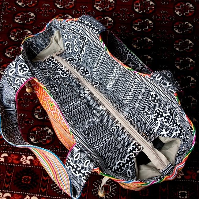 モン族刺繍の扇形トートバッグ 8 - 上部からの写真です