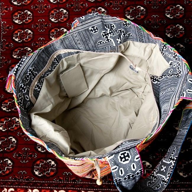 モン族刺繍の扇形トートバッグ 9 - 内部はも広いです