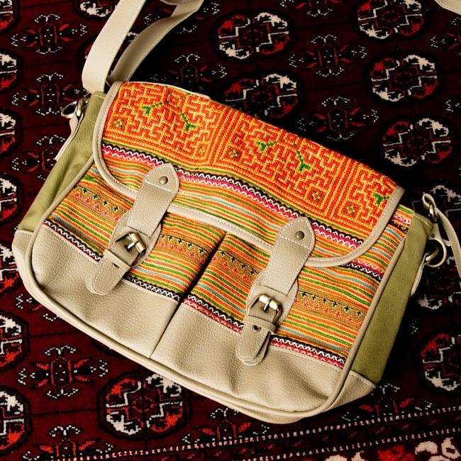 モン族刺繍とレザーのショルダーバッグ 15 - 【選択:A】ベージュレザー系