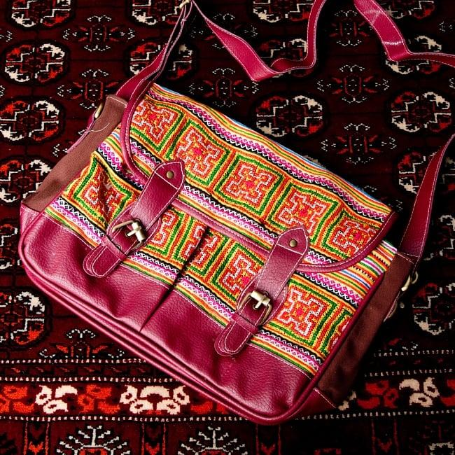 モン族刺繍とレザーのショルダーバッグ 17 - 【選択:C】赤紫レザー系