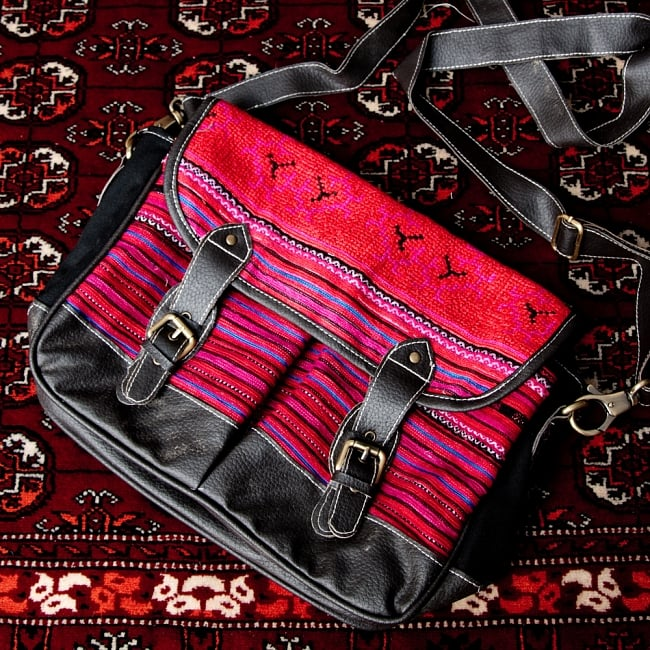 モン族刺繍とレザーのショルダーバッグ 18 - 【選択:D】ブラックレザー系