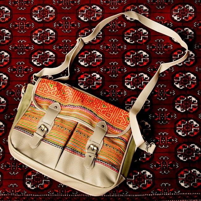 モン族刺繍とレザーのショルダーバッグ 3 - 雰囲気があります
