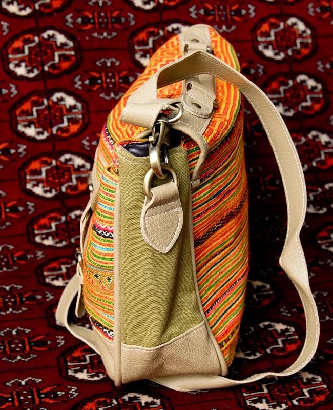 モン族刺繍とレザーのショルダーバッグ 5 - サイドからの写真です