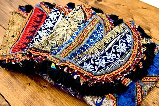 【ブラック系】選べるデザイン!カッチ刺繍のスクエアポシェット 2 - 鮮やかな刺繍で施されたポシェットは世界で一つだけ。