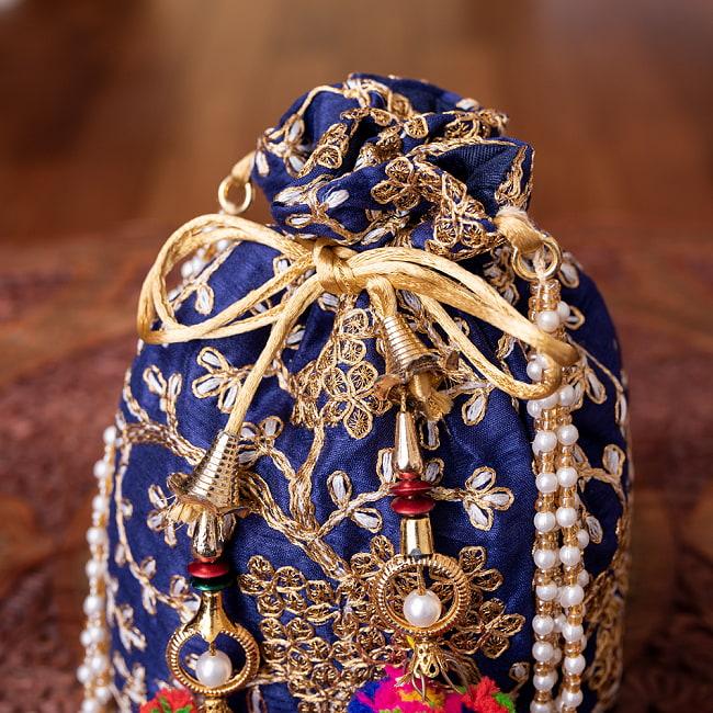 インドのきらきらミニバッグ・サリー等へオススメの巾着 - グリーン 4 - 開口部は両サイドの紐で絞るタイプです!