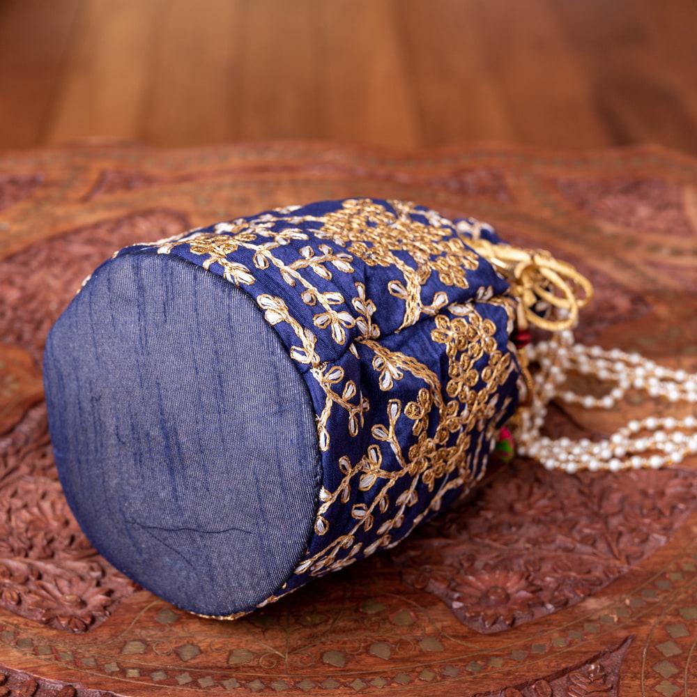 インドのきらきらミニバッグ・サリー等へオススメの巾着 - グリーン 5 - 底部分はこの様になっています!まんまるが可愛いです!