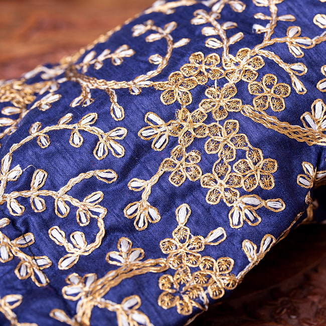インドのきらきらミニバッグ・サリー等へオススメの巾着 - グリーン 8 - 持ち手を拡大してみましたパールのようなビーズがとっても可愛いです^^