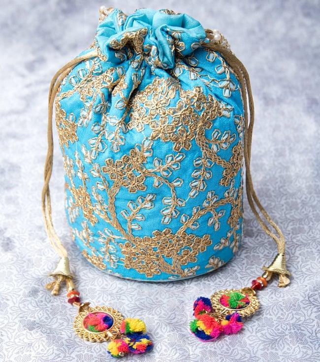 インドのきらきらミニバッグ・サリー等へオススメの巾着 - 水色の写真