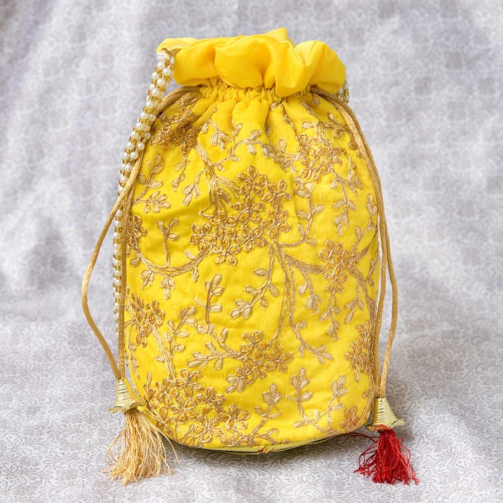 インドのきらきらミニバッグ・サリー等へオススメの巾着 - イエローの写真