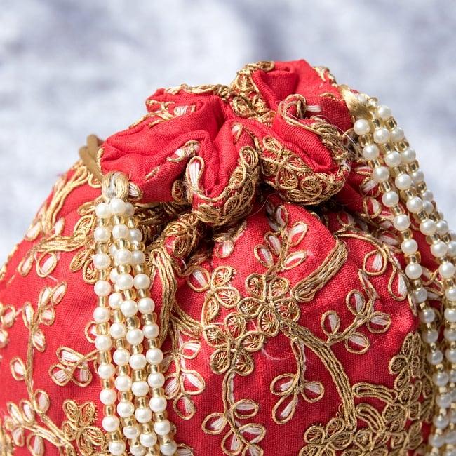 インドのきらきらミニバッグ・サリー等へオススメの巾着 - レッド 4 - 開口部は両サイドの紐で絞るタイプです!