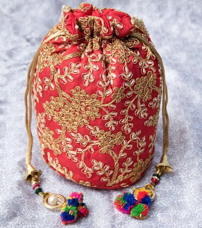 インドのきらきらミニバッグ・サリー等へオススメの巾着 - レッドの写真